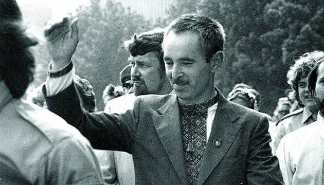Політв'язень Валентин Мороз помер у Львові