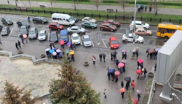 У Дніпровській міськраді шукають вибухівку