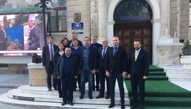 Українські чиновники знайомляться із рівнем забезпечення прав і свобод українців у Румунії