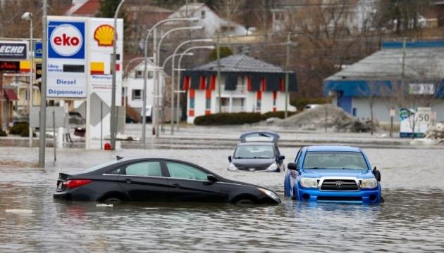 У Канаді ціле місто опинилося під водою