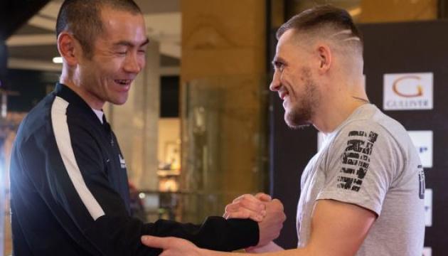 Берінчик і Аракава провели в Києві відкрите тренування перед титульним боєм