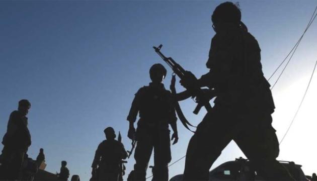 У Пакистані невідомі вивели з автобуса і розстріляли 14 осіб