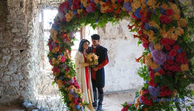 Кохання розквітне в замку Сент-Міклош у травні