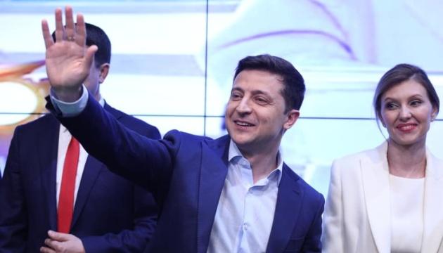 Курц и Дуда поздравили Зеленского с победой