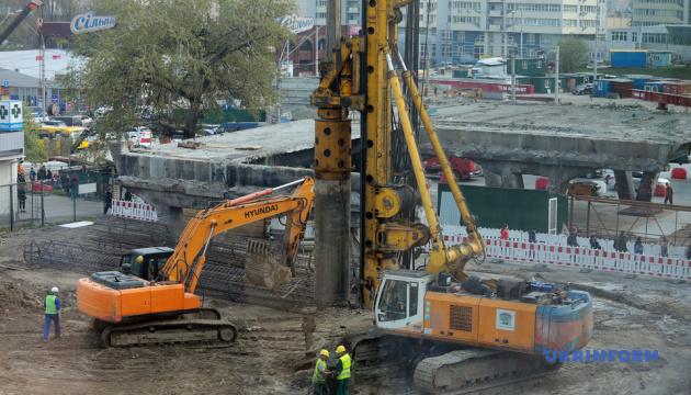 У столиці триває реконструкція Шулявського мосту