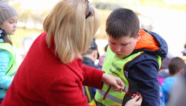 Вінницькі учні отримають «Шкільні пакети безпеки»