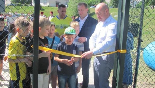 На Тернопільщині за рік побудували 28 футбольних майданчиків