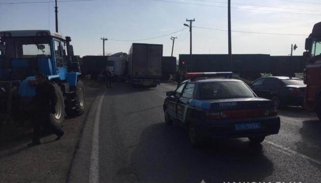 Вблизи Измаила столкнулись поезд и грузовик