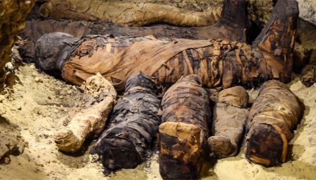 Понад 30 мумій: археологи знайшли в Єгипті приховану гробницю