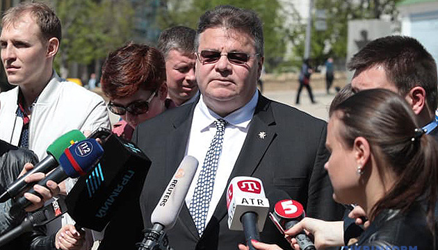 Linkevičius advocates strengthening sanctions against Russia over passportization in Donbas