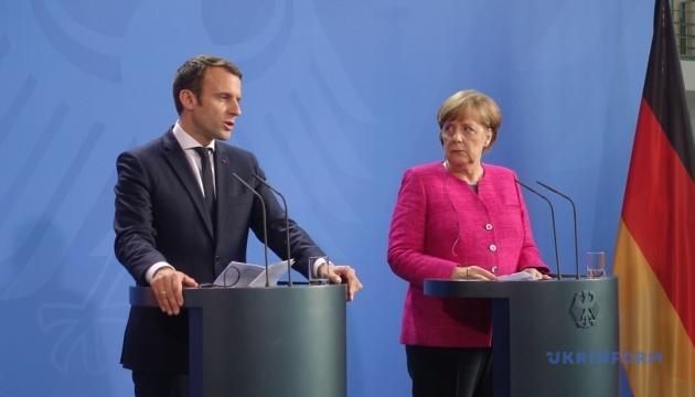 """Меркель і Макрон обговорили з Путіним """"паспортизацію"""" окупованого Донбасу"""