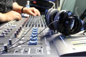 В прифронтовой Бахмутовке начала работать еще одна украинская радиостанция
