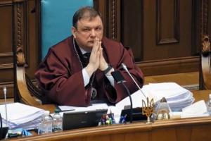 キーウ区行政裁判所、解任されたシェウチューク憲法裁元長官の復職を命じる判決
