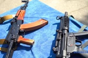 キーウにて警察官用の新型機関拳銃のプレゼンテーション開催