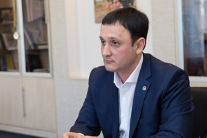 Зеленський прийняв відставку першого заступника представника Президента в Криму