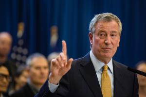 Мер Нью-Йорка вийшов з президентських перегонів