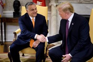 """Объятия или санкции: Чего ждать Орбану после """"теплой"""" встречи с Трампом?"""