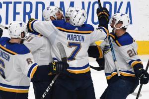 """Хокеїсти """"Бостона"""" стали першими фіналістами плей-офф НХЛ"""