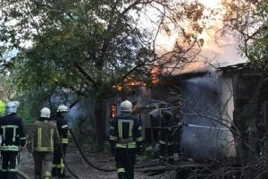 В Одесі сталася пожежа у колишній військовій частині
