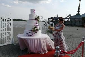 В Херсоне выбрали фирменный торт города