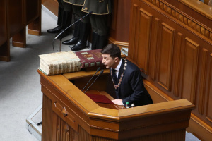Zelensky proposes Ukrainian government resign