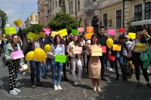 Вікторина та «жива» карта України: у Чернівцях відзначили День Європи