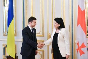В Україну завтра приїде президентка Грузії