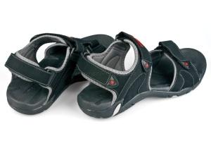 Як вибрати зручні та якісні чоловічі сандалі
