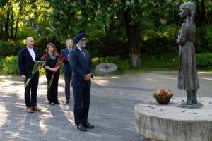 Міністр оборони Канади вшанував жертв Голодомору