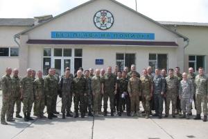 Військові аташе 22 країн відвідали Центр розмінування на Хмельниччині