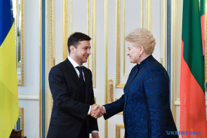 "Lithuanian president calls on Zelensky to ""crush"" oligarchic system in Ukraine"