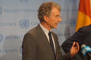 露スルコフ氏は分離主義者から10分でミンスク合意への署名を得た=国連ドイツ代表