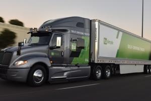 Пошта США почала тестувати безпілотні вантажівки
