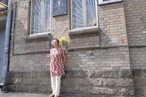 Засновнику першого пологового будинку у Запоріжжі відкрили меморіальну дошку
