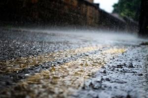 Негода знеструмила 23 населених пункти у трьох областях України