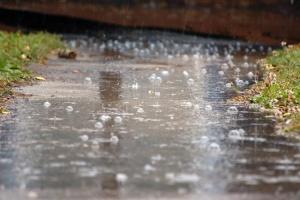 Україні прогнозують дощі, грози та сильний вітер