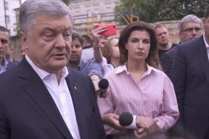 """Порошенко: Готов ответить за Томос, """"языковой"""" закон и контрнаступление на Донбассе"""