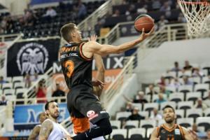 Баскетболіст збірної України Липовий вийшов у півфінал чемпіонату Греції