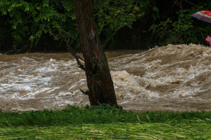 Hochwasser in Transkarpatien und im Gebiet Iwano-Frankiwsk verursacht viel Schaden