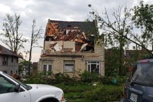 Торнадо у Штатах забрали вже семеро життів, десятки поранених