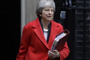 Тереза Мей йде з Даунінг-стріт, а чи йде Британія з ЄС?