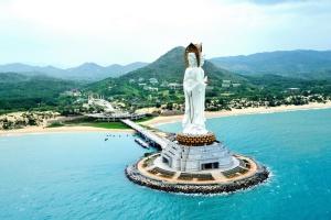 МАУ з червня літатиме на Хайнань