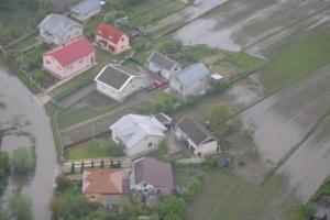 В западных областях остаются подтопленными более 350 дворов