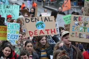 """В Австралії та Новій Зеландії школярі вийшли на """"кліматичний"""" страйк"""