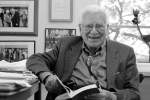 Умер нобелевский лауреат с украинскими корнями