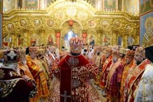 Filaret und Epifanij beten gemeinsam in St. Michaelskloster in Kyjiw - Fotos