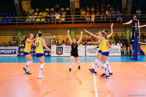 Украинские волейболистки с победы стартовали в Золотой Евролиге