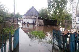 На Житомирщині через дощі затопило дорогу