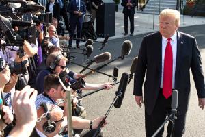 Однопартійці Трампа стурбовані, що коронавірус може вплинути на вибори