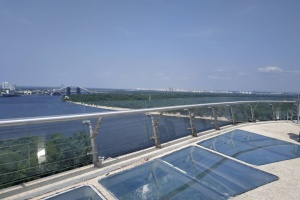 """""""Стеклянный"""" мост успешно прошел проверку на нагрузку"""